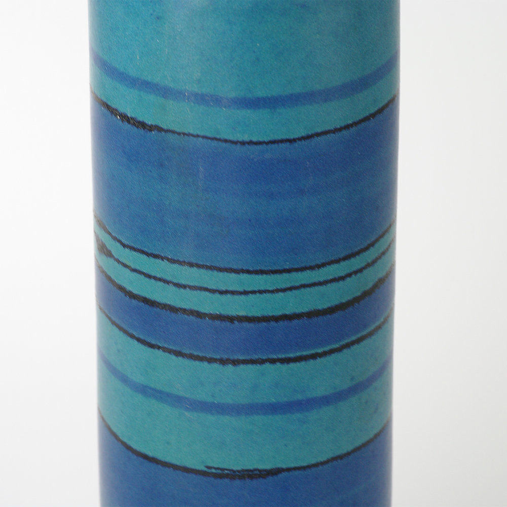 Blue-stripe-vase-cu1.jpg