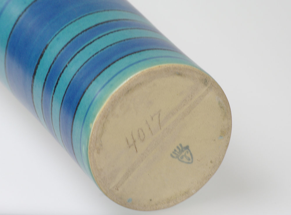 Blue-stripe-vase-bottom.jpg