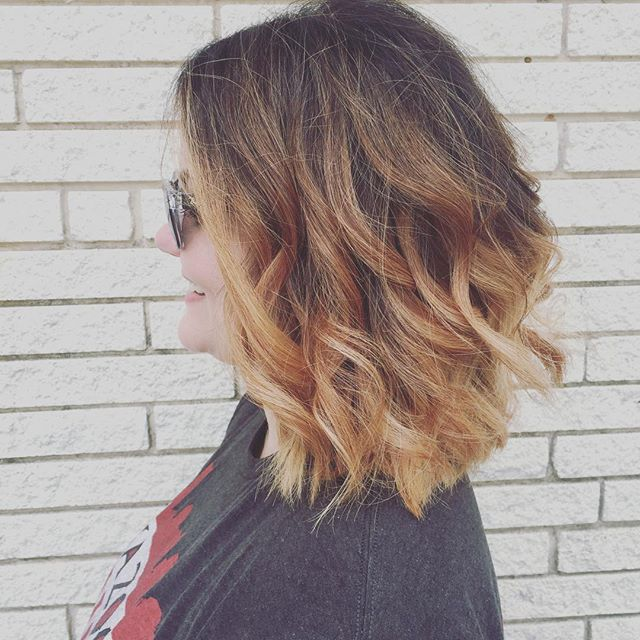 Happy girl happy world... And pretty hair of course 😍 color and cut by @cheyennec007 #balayage #blonde #behindthechair