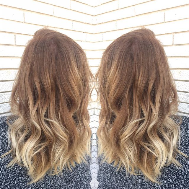 We've been slacking on hair updates, but we've been busy little elves this holiday season!  Color and cut by @cheyennec007  #balayage #behindthechair #warmtones #salonlife #holidayhair #blondehair #springhilltn