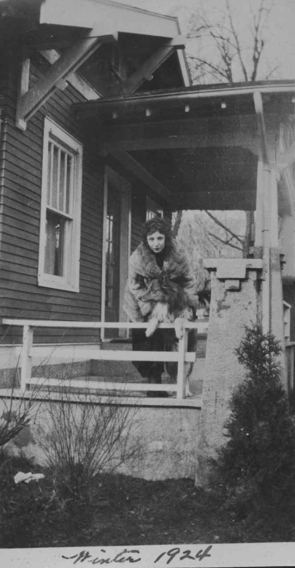 Anais 1924 14 Winter.jpg