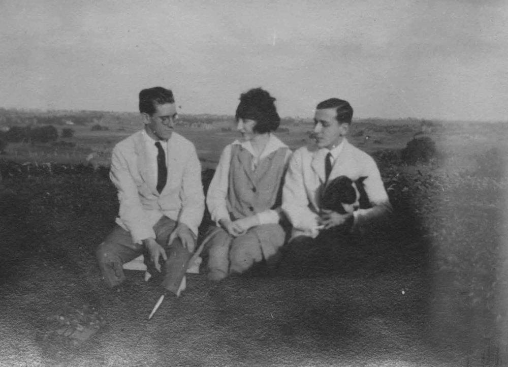 Anais 1920s 4.jpg