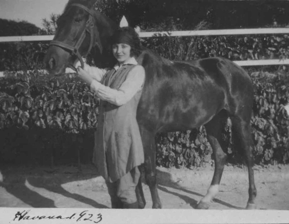 Anais 1923 10 Havana horse 1.jpg