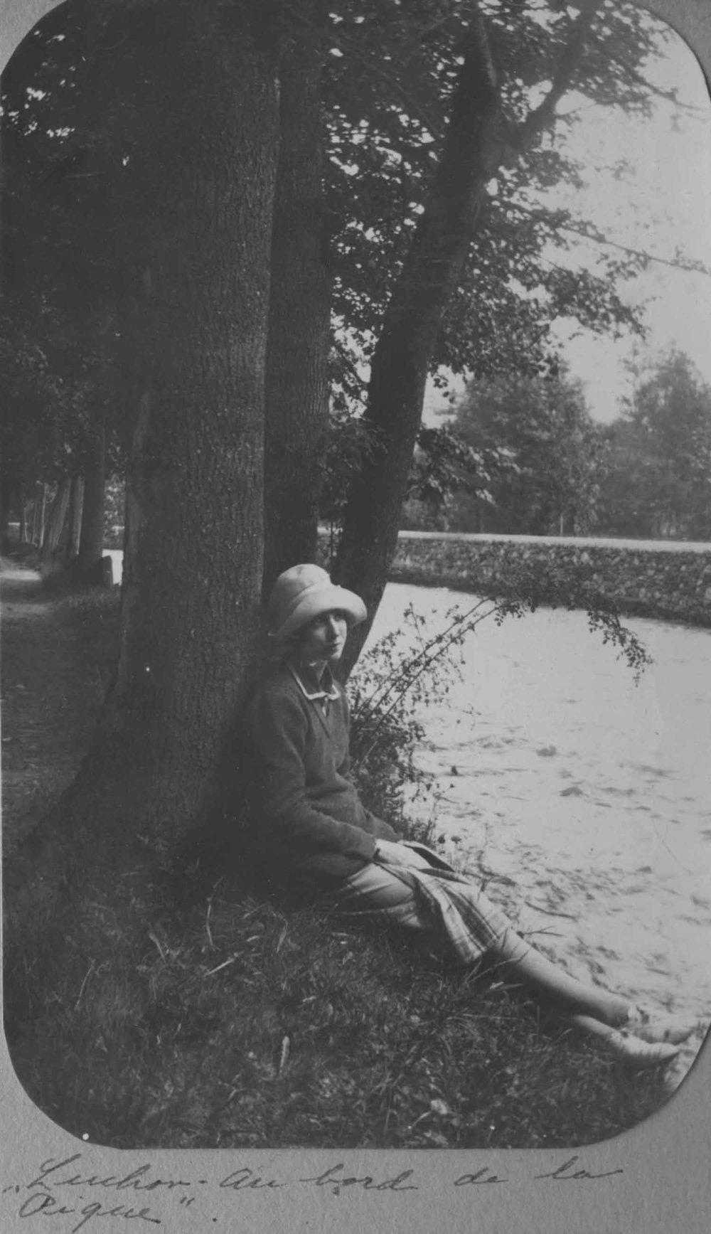 Anais 1927 10 May Pyranees.jpg