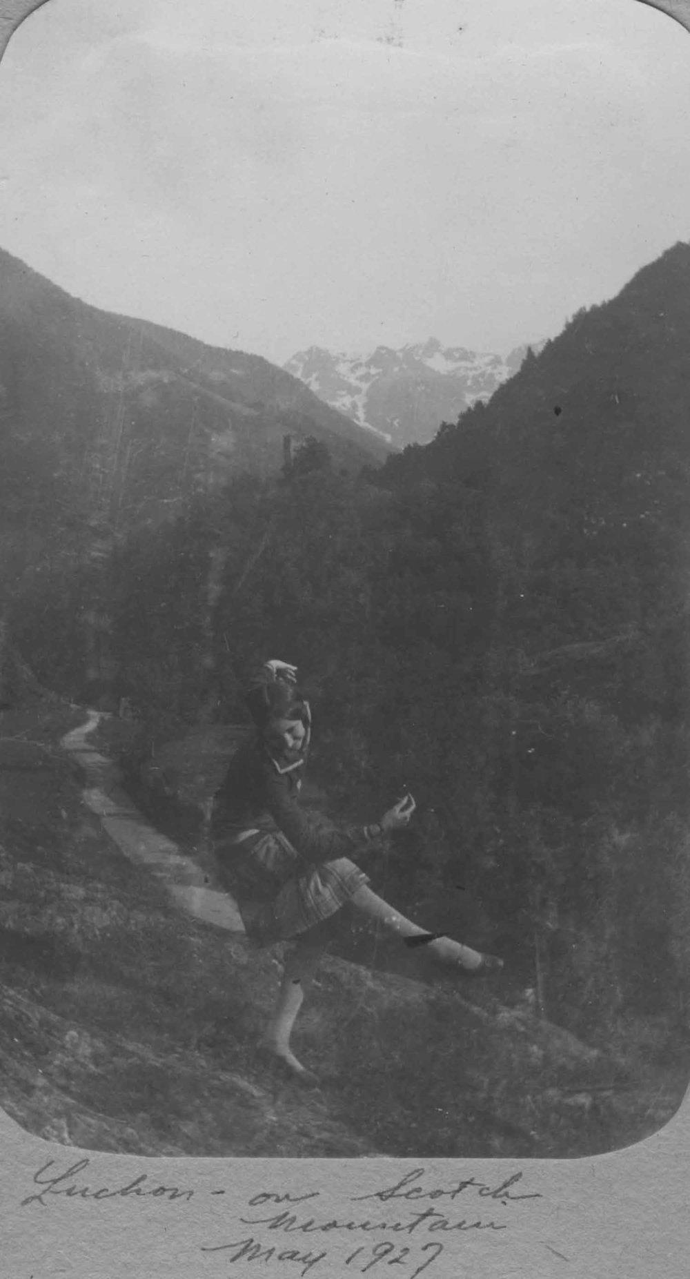 Anais 1927 11 May Pyranees.jpg