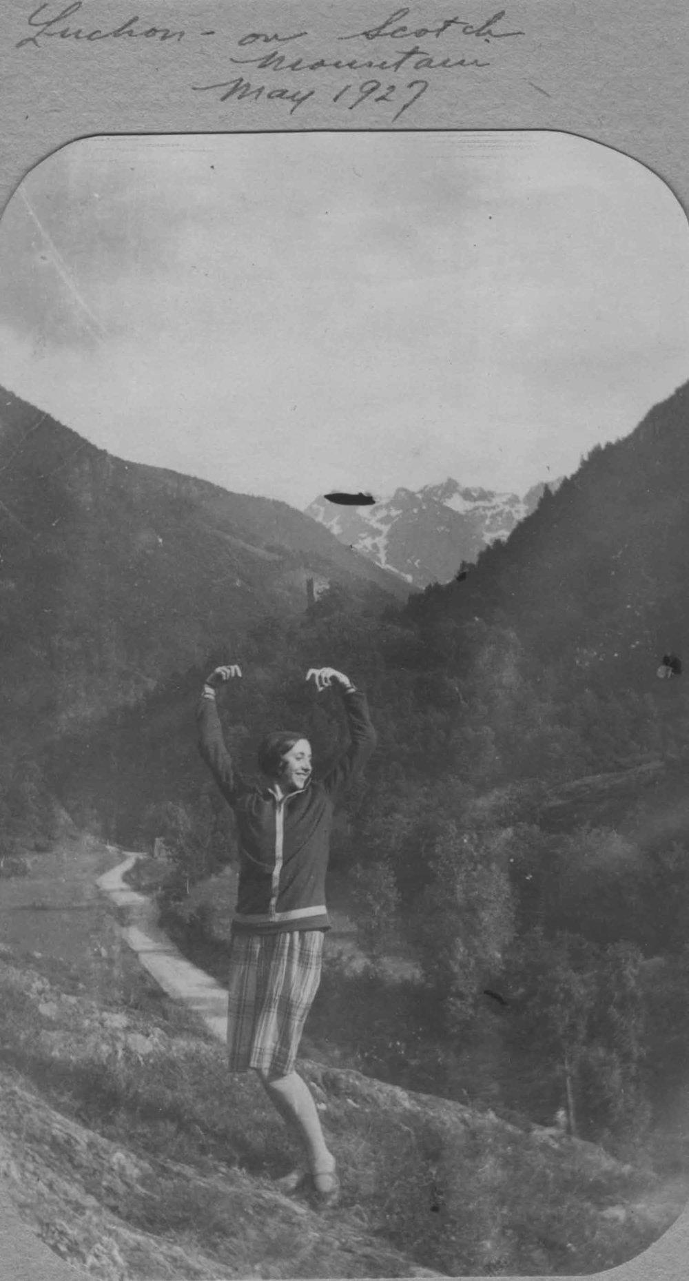 Anais 1927 12 May Pyranees.jpg