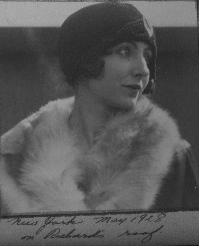 Anais 1928 1 May NY.jpg
