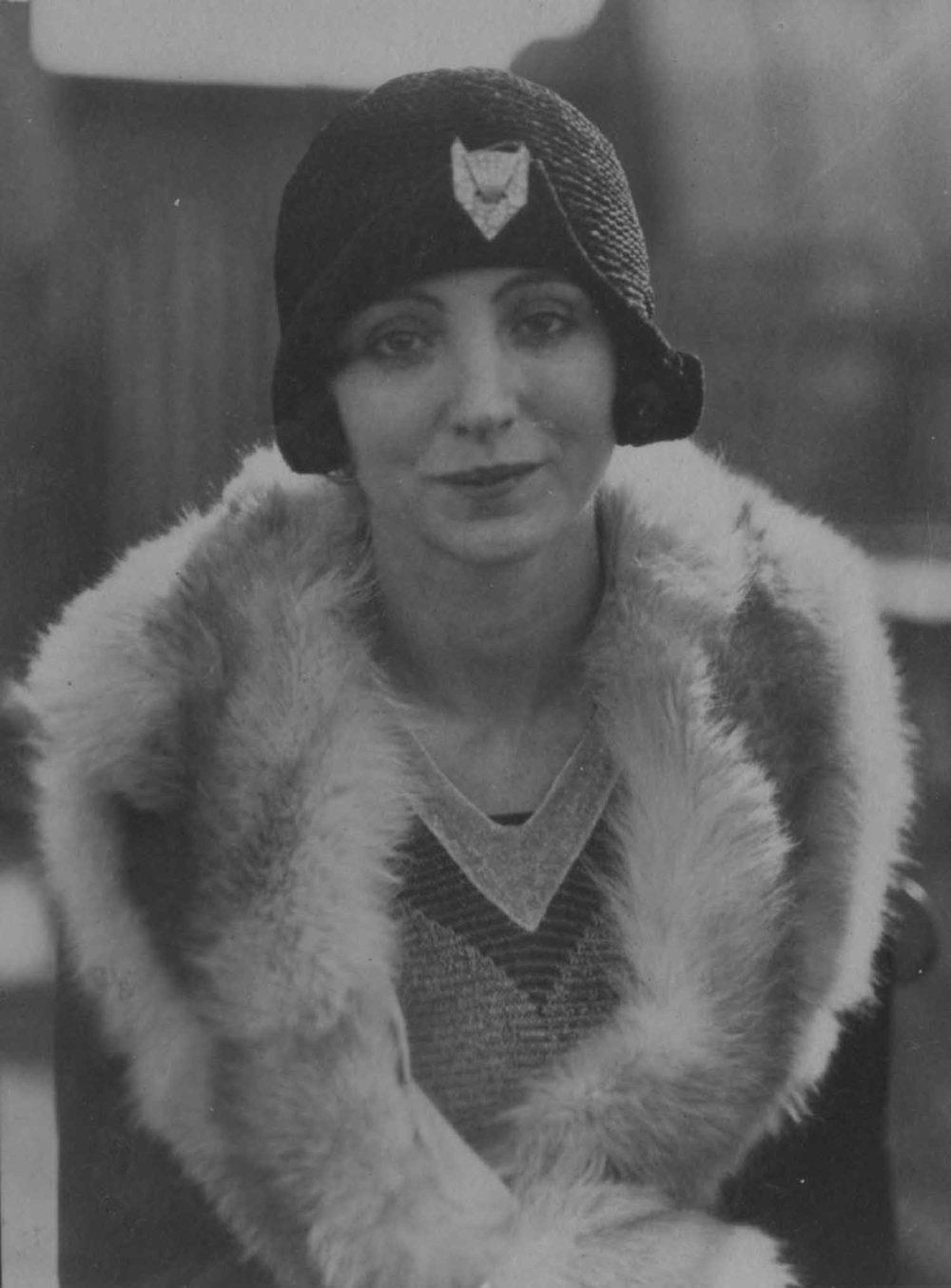 Anais 1928 3 May NY.jpg