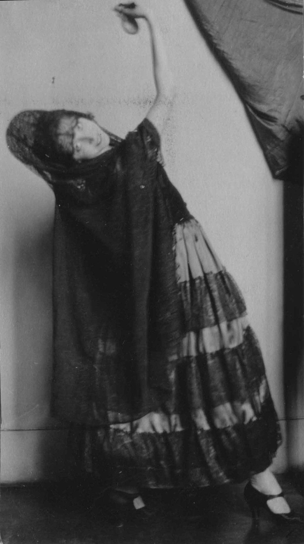 Anais 1928 28 dance Sep.jpg