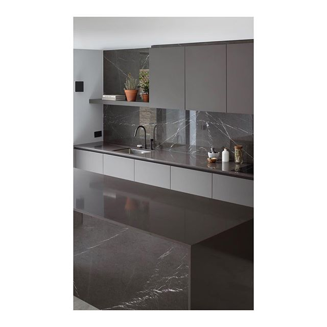 Kitchen inspiration from a recently finished project in west London. 🖤 _ _ _ _ #architecture #architecturelovers #interiordesign #interiors #interior #architect #londondesign #kitchenremodel  #housedesign #luxury #architecturephotography #londonarchitecture #kitcheninspiration #interiordesigner #renovationproject #modernhouse #kitchenisland #minimalism #kitchen #simple #cornerofmyhome #interiorinspo #homedecor #home #minimal #renovation #minimalist #homedesign #kitchendesign #residentialarchitecture