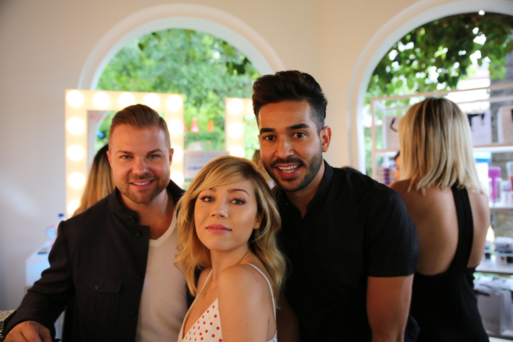Jennette McCurdy hangs with the Matrix gang after her styling