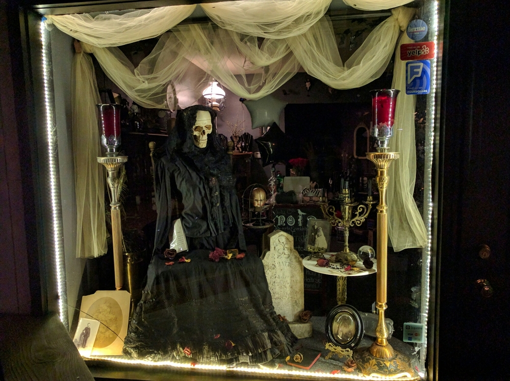 memento mori window display at Noir