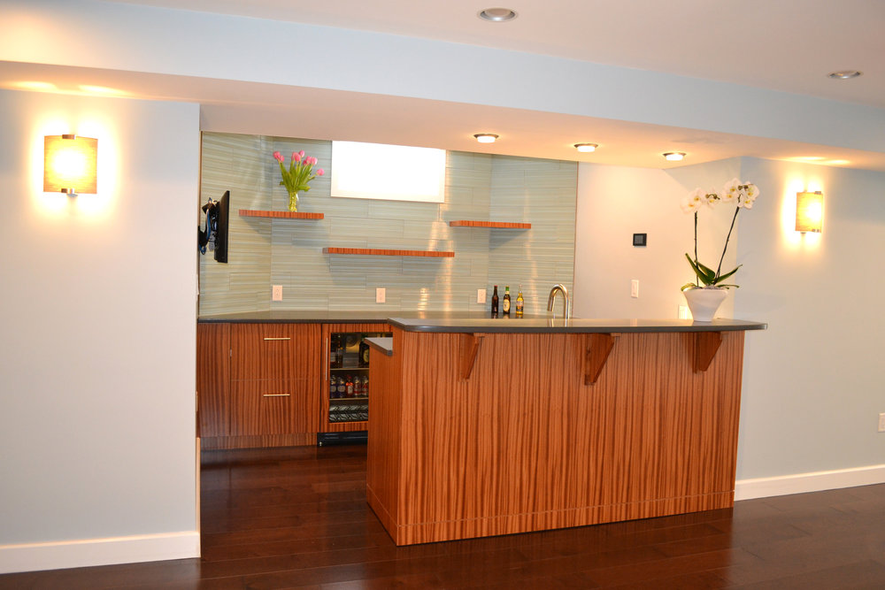 Home Renovation  | Dickinson Architects, LLC | Finished Basement TV Lounge Wet Bar