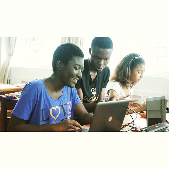 Computer Science Camp for Girls #womeninstem #STEM #Ghana #beELiTE #GirlsAreELiTE