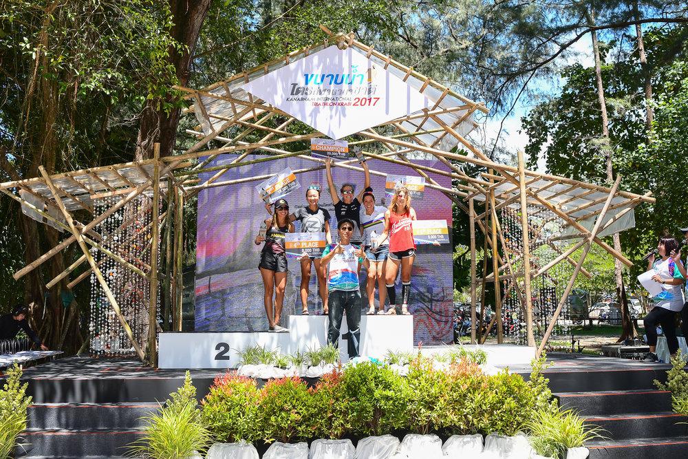 KRABI, THAILAND - SEPTEMBER 03: (L-R) Katherine Rivera, Inge Prasetyo, Amelia Rose Watkinson, Elle Brookes, Sarah Virginia Costeira at KANABNAM INTERNATIONAL TRIATHLON KRABI 2017 on September 03, 2017 in Nopparat Thara Beach, Ao Nang , Krabi, Thailand. (Photo by: Naratip Srisupab/Thailand Photo SEALs Sports Photography)