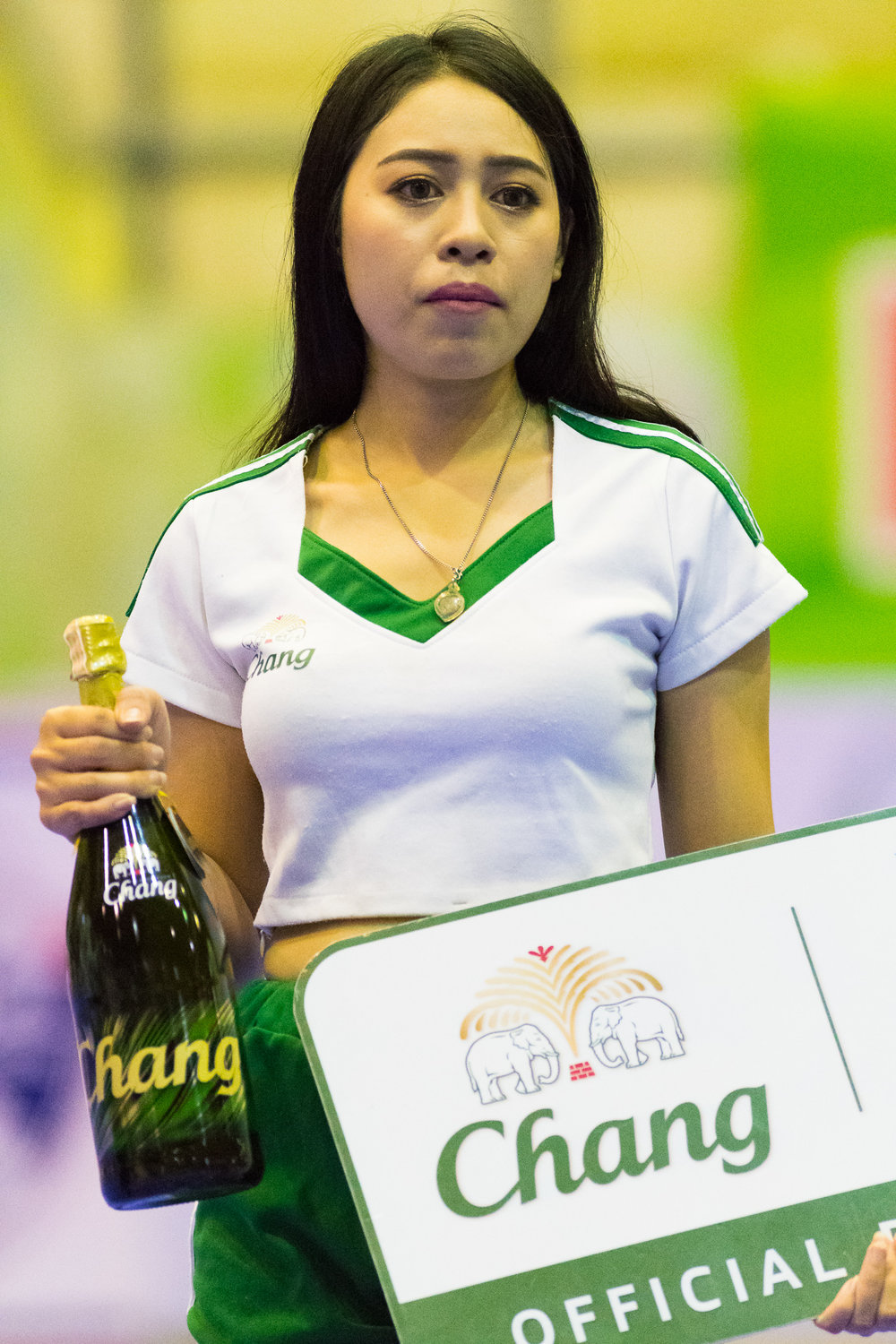 SURAT THANI, THAILAND - JUNE 11: Halftime giveaway by sponsored by Chang Beer at Surat Thani vs Samut Sakhon Futsal on June 11, 2017 at Surat Thani Sports Complex, Surat Thani, Thailand. (Photo by: Naratip Srisupab/Thailand Photo SEALs Sports Photography)