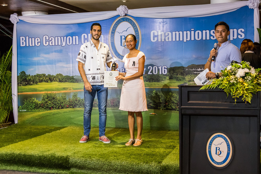 Hole-In One award presentation.