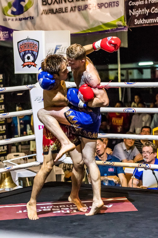 BANGKOK, THAILAND - OCTOBER 07: Proflex Fight Night on October 07, 2016 at Ambassador Hotel, Bangkok, Thailand. (Photo by: Naratip Srisupab/Thailand Photo SEALs Sports Photography)