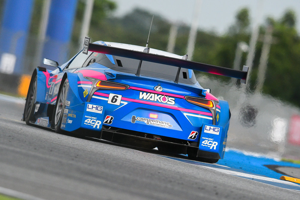 BURIRAM, THAILAND - OCTOBER 07: GT-500 car #6 Lexus WAKO's 4CR LC500 of Kazuya Oshima / Andrea Caldarelli during the Qualifying Round on Turn 11 at the AUTOBACS Chang Super GT Round 7 Race 2017, Chang International Circuit, Buriram, Thailand on October 07, 2017. (Photo by: Naratip Srisupab/SEALs Sports Images)