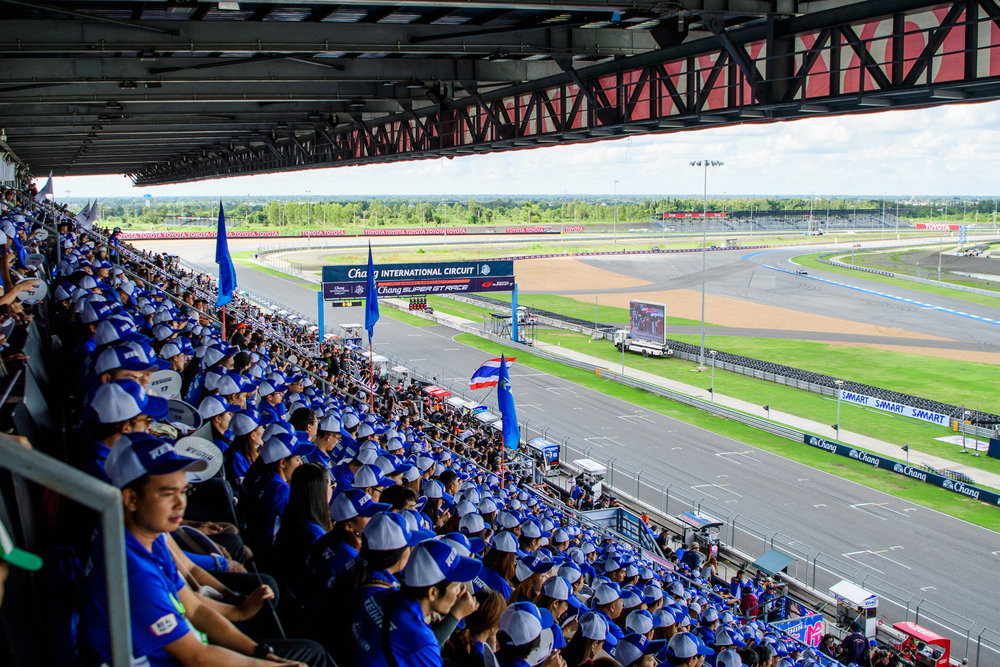 BURIRAM, THAILAND - OCTOBER 08: Fans and spectators filling the Grandstand as the race is set to begin shortly at the AUTOBACS Chang Super GT Round 7 Race 2017, Chang International Circuit, Buriram, Thailand on October 08, 2017. (Photo by: Naratip Srisupab/SEALs Sports Images)