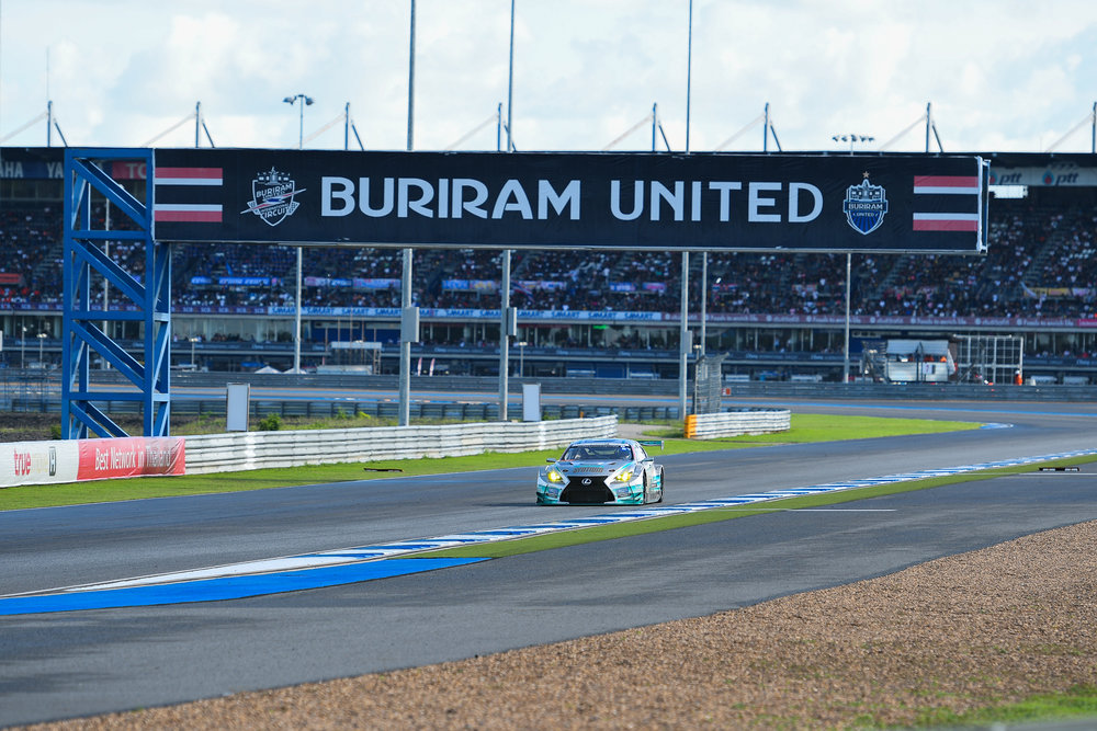 BURIRAM, THAILAND - OCTOBER 08: GT-300 car #60 Lexus SYNTIUM LMcorsa RC F GT3 of Akira Iida / Hiroki Yoshimoto approaching Turn 8 at the AUTOBACS Chang Super GT Round 7 Race 2017, Chang International Circuit, Buriram, Thailand on October 08, 2017. (Photo by: Naratip Srisupab/SEALs Sports Images)