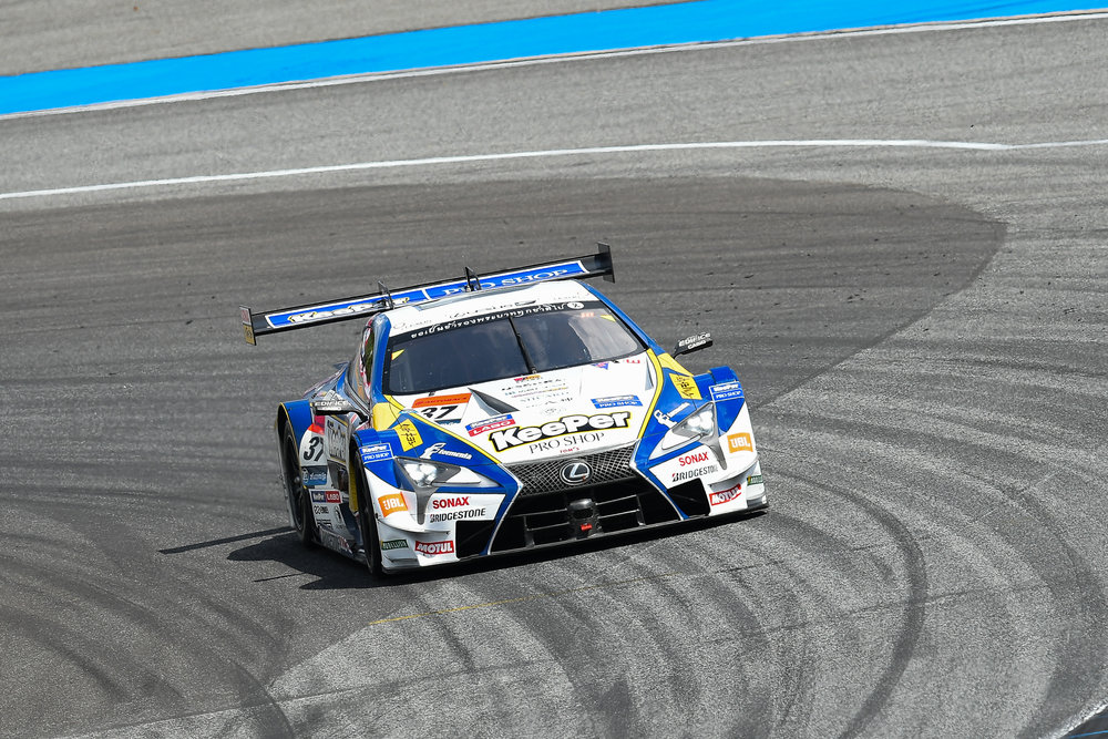 "BURIRAM, THAILAND - OCTOBER 08: GT-500 car #37 Lexus KeePer TOM""S LC500 of Nick Cassidy / Riyo Hirakawa on Turn 12 during the AUTOBACS Chang Super GT Round 7 Race 2017, Chang International Circuit, Buriram, Thailand on October 08, 2017. (Photo by: Naratip Srisupab/SEALs Sports Images)"