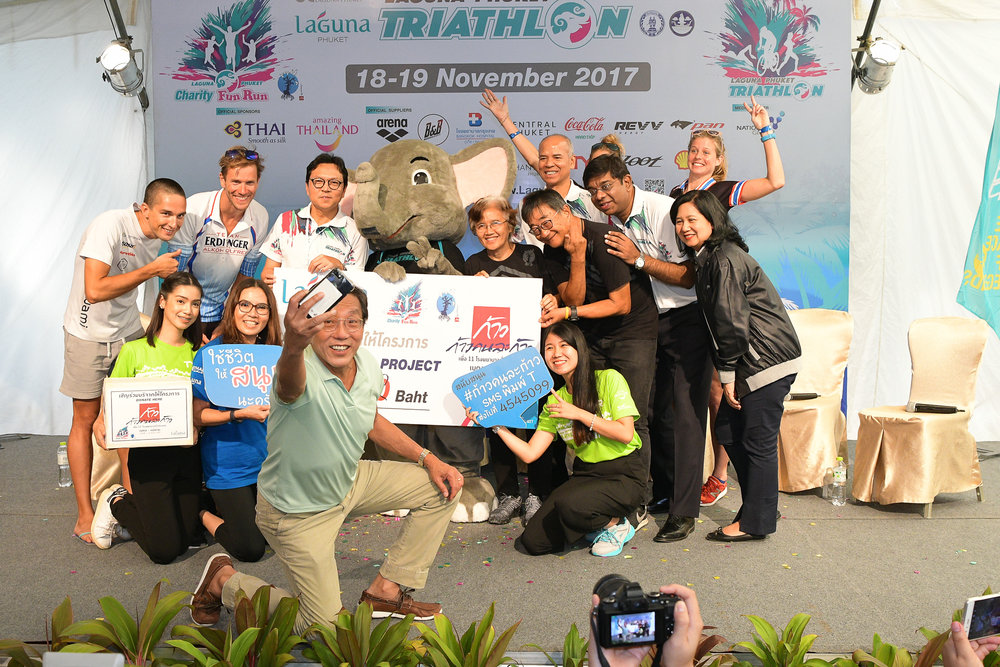 PHUKET, THAILAND - NOVEMBER 18: Laguna Phuket Triathlon 2017 at Laguna Phuket, Cherngtalay, Phuket, Thailand on November 18, 2017. (Photo by: Naratip Srisupab/SEALs Sports Images)