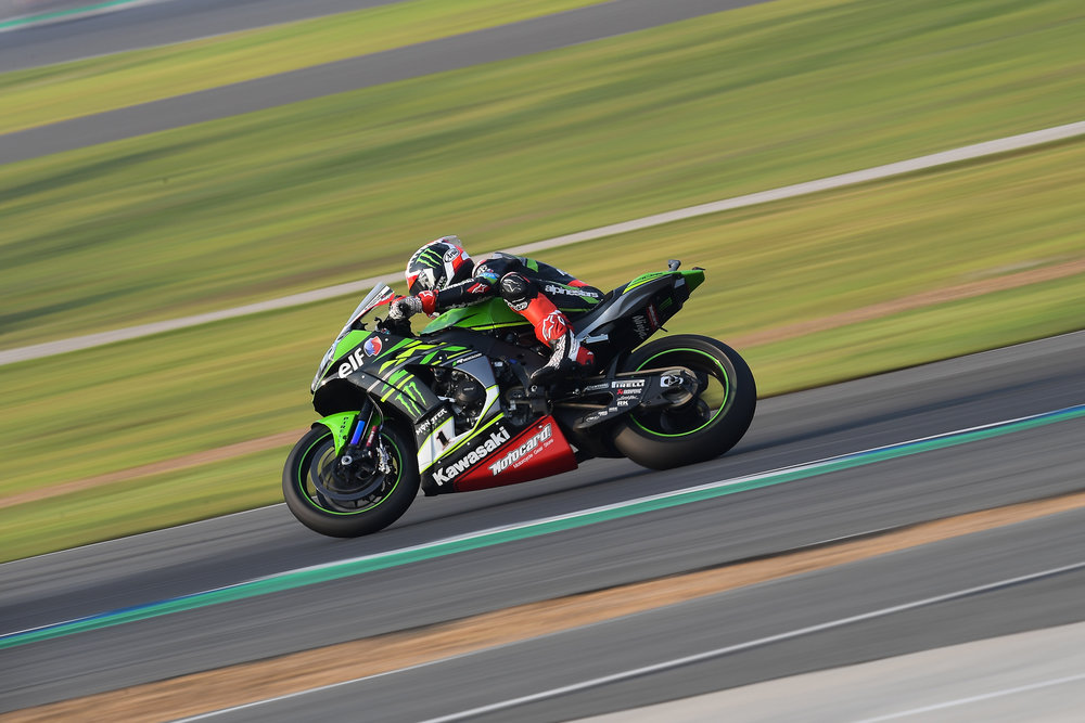 BURIRAM, THAILAND - MARCH 24: Jonathan Rea (#1) of Great Britain and Kawasaki Racing Team WorldSBK on turn during Race 1 in the FIM Superbike World Championship 2018 during the 2018 Superbike Motul Thai Round at Chang International Circuit, Buriram, Thailand on March 24, 2018. (Photo by: Naratip Golf Srisupab/SEALs Sports Images)