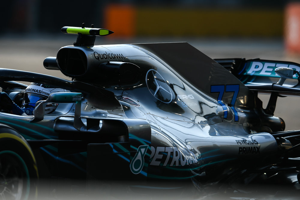 SINGAPORE - SEPTEMBER 14: Valtteri Bottas (77) of Mercedes AMG Petronas Motorsport in Turn 16 during the F1 Singapore Airlines - Singapore Grand Prix 2018, Marina Bay Street Circuit, Singapore on September 14, 2018. 