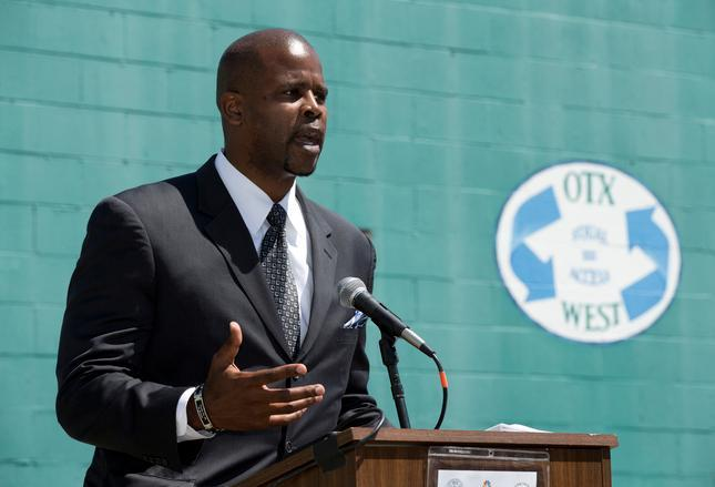 Oakland Unified School District Superintendent Antwan Wilson speaks during a news conference PHOTO CREDIT: East Bay Times / Sarah Tan