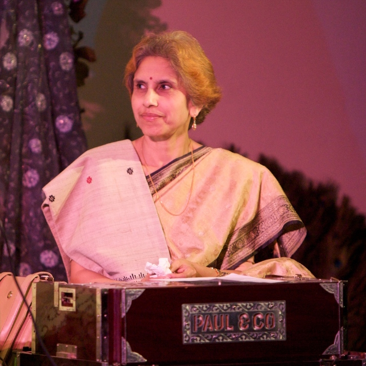 Smt. Sanghamitra Chatterjee Sanghamitra Chatterjee is one of the leading vocalists of India in the fields of light and light classical music. Gifted with a sweet and melodious voice Sanghamitra has chosen light music as her domain; this includes Adhunik (Bengali modern song), Rabindrasangeet (songs of Tagore), Nazrulgeet (songs of Nazrul), songs of Atul Prasad Sen, folk songs, Hindi Bhajans, film songs, Geet, Ghazals, etc.. She had her lessons in classical music from Pdt. Usharanjan Mukherjee and Sri Dashu Mukherjee.