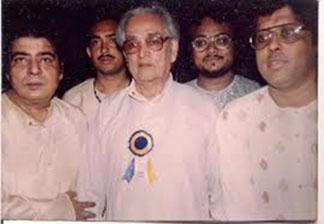Pt. Kishan Maharaj, Pt. Shyamal Bose, Pt. Anindo Chatterjee.jpg