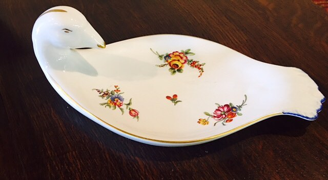 For your sweetheart! Just arrived! Limoges limited edition, signed dove...perfect for chocolates, jewelry or bedside/dressing table catch all all $30
