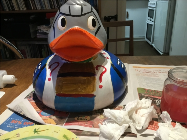 Here's the finished duck from the front. You can now see the Tom Baker scarf, along with the question mark motif.