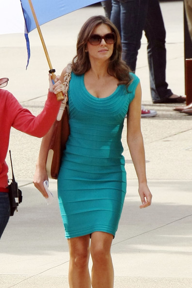 hurley elizabeth 2011 march dress2.jpg