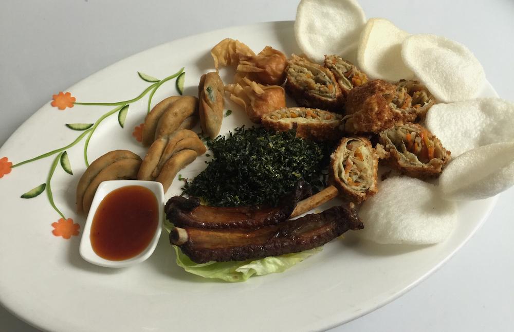 Dragon Dim Sum Platter - BBQ Spare Ribs,Spring Onion Pancakes,Crispy Won Ton,Duckling Spring Rolls,Crispy Seaweed,Prawn Crackers,Sweet & Sour Sauce.