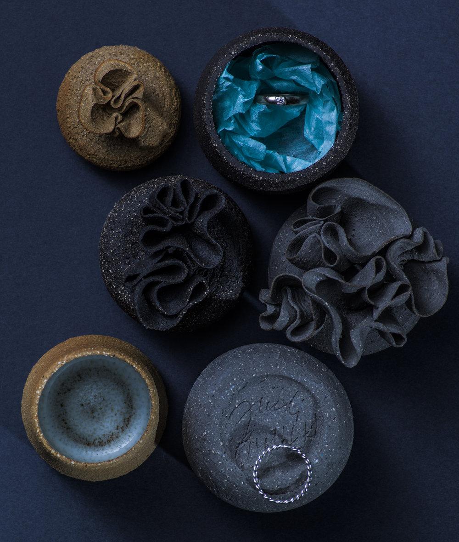 Thought boxes for jewellery. Photo by Helsinki Design School, Linda Fält, Kirsi Kurkijärvi ja Kaapo Kamu.