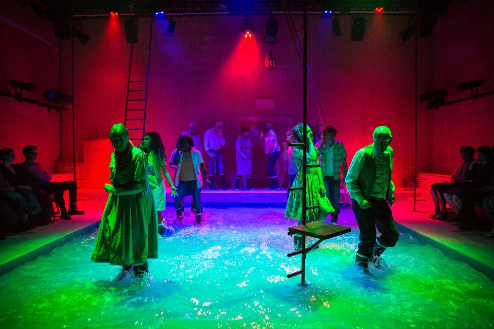 YV+TP+The+Curtain+dir+Rachel+Lincoln+-+©HelenMurray-309.jpg
