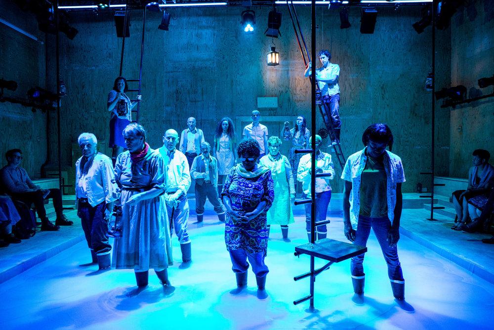 YV+TP+The+Curtain+dir+Rachel+Lincoln+-+©HelenMurray-620.jpg