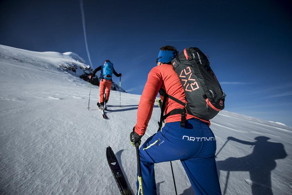 Désormais le poids n'est plus un frein pour s'équiper chez les randonneurs (photo Hansi Heckmair - Ortovox)