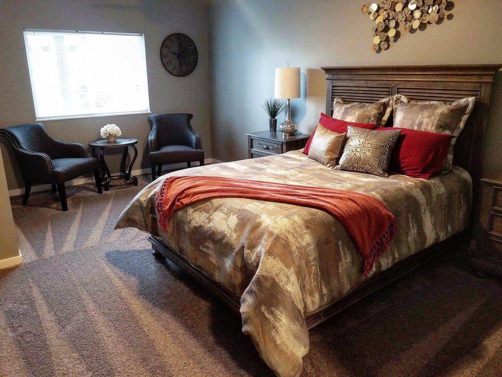 Guest Room - Graystone Heights.JPG