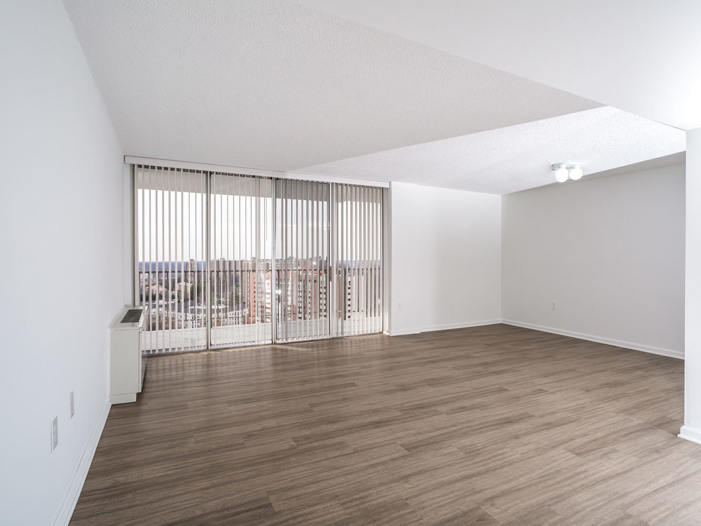 101 S Whiting St 1505-MLS_Size-001-11-LivingDining Room-2048x1536-72dpi.jpg