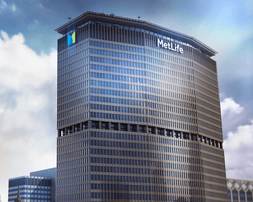 We helped a 4-person creative team replace the logos on this 59-storey building in New York City.