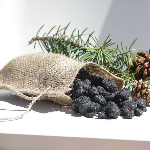 - Etsy | Edible Black Coal Popcorn - For anyone who has been a bit naughty this year, pop this in their stocking.