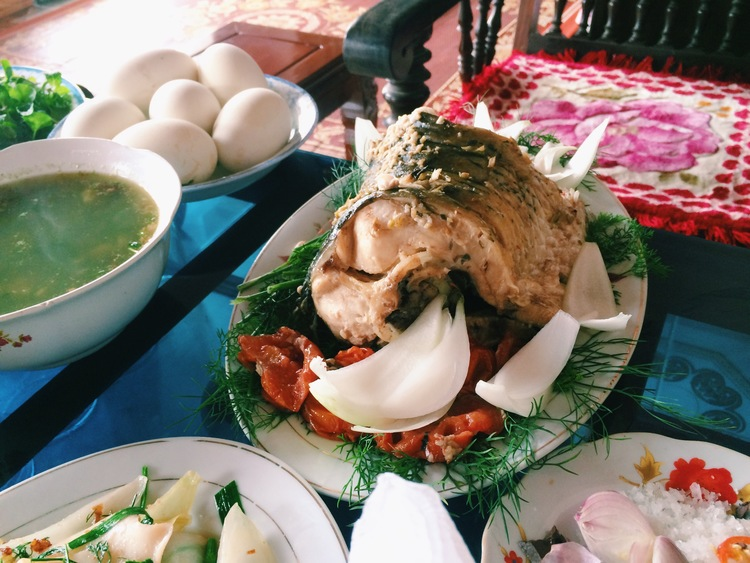 Vietnamese Meals - Eating Etiquette