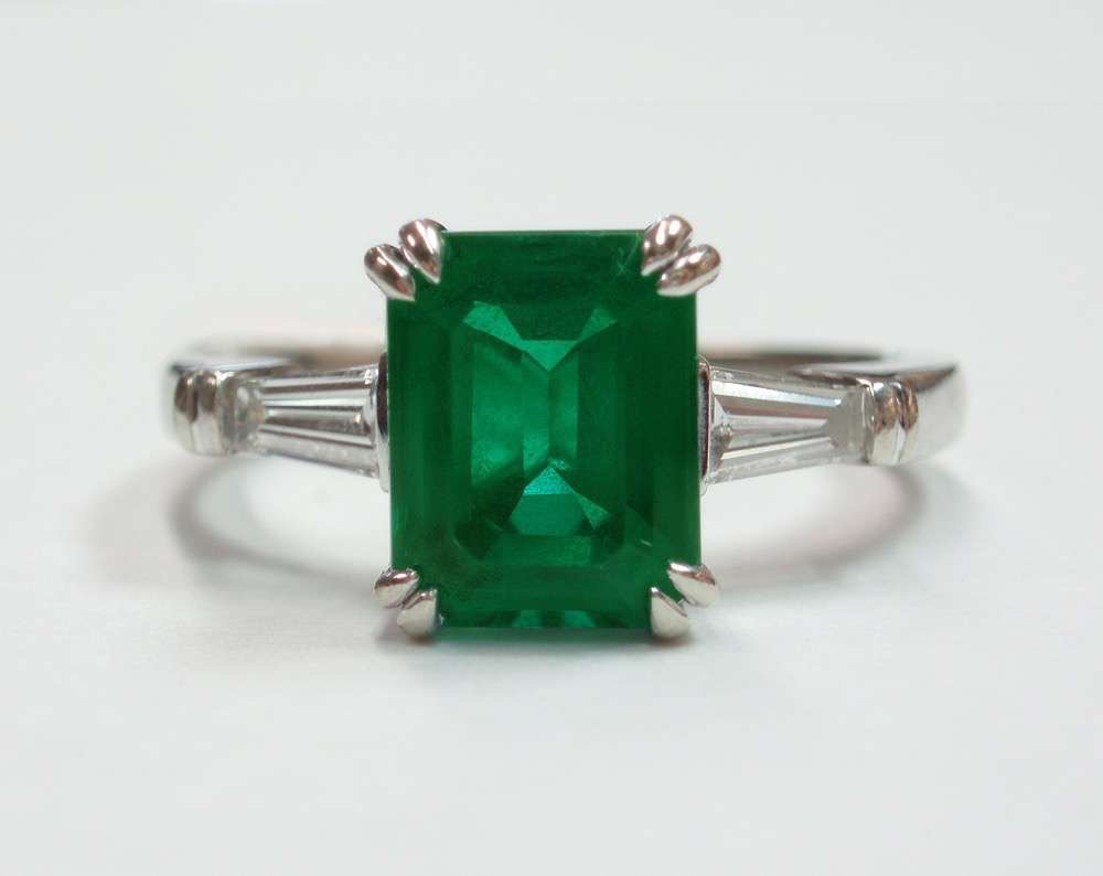 Syn.Emerald Genuine Diamon baguettes set in 14kWhitegoldgeorgeous art deco reproduction 2.jpg