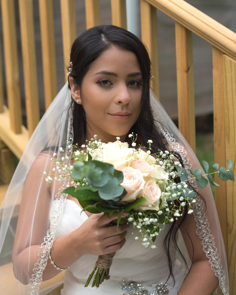 Kennesaw GA, Bride with bouquet of flowers