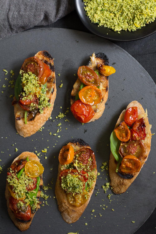 Slow-roasted-tomato-bruschetta-vegan-3.jpg