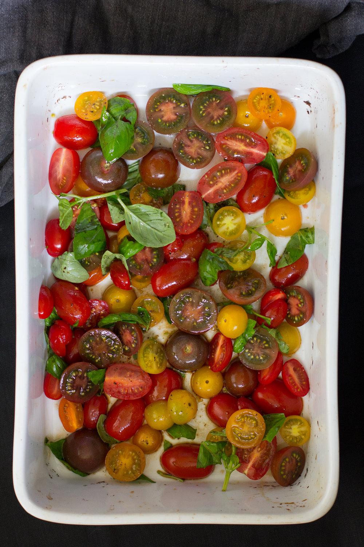 Slow-roasted-tomato-bruschetta-vegan-1.jpg