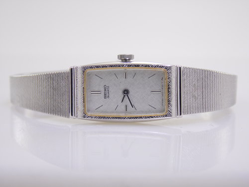 309757368e3 Vintage Silver Stainless Steel Seiko Womens Ladies Petite Slim Quartz Watch  1320A. SAM 9341.JPG
